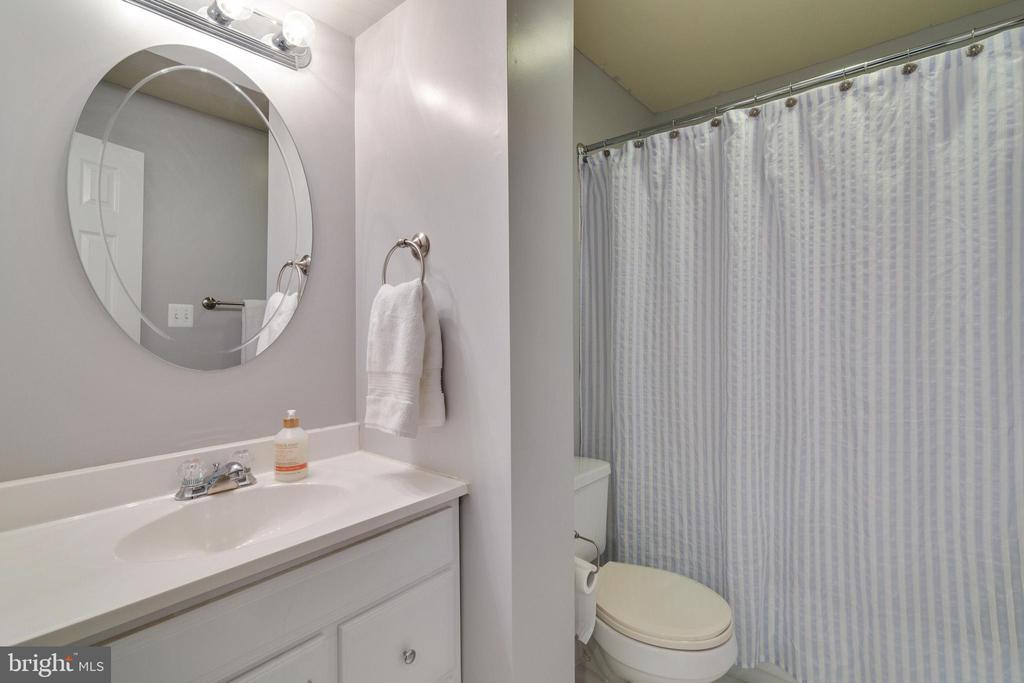 3rd Full Bathroom - 14859 BUTTONWOOD CT, WOODBRIDGE