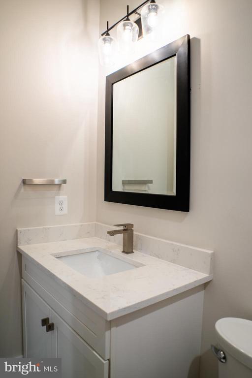 Guest Bath - 6614 EDSALL RD, SPRINGFIELD