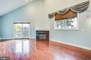1113 Primary Suite Bedroom With Ext. Deck - 1113 CAROLINE ST, FREDERICKSBURG