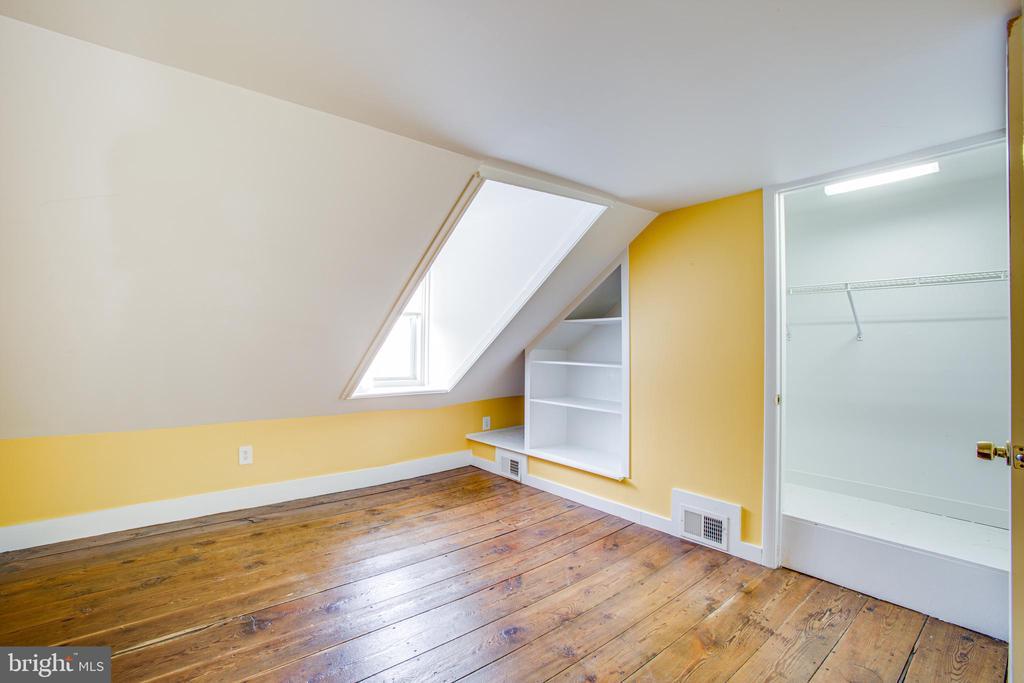 1113 3rd Floor Bedroom - 1113 CAROLINE ST, FREDERICKSBURG
