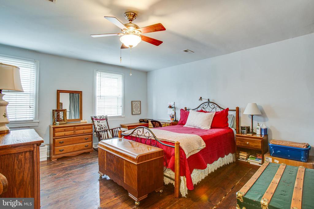 1111 Bedroom 1 with Walk In Closet - 1113 CAROLINE ST, FREDERICKSBURG