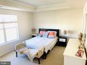 Spacious primary bedroom suite - 43374 TOWN GATE SQ, CHANTILLY