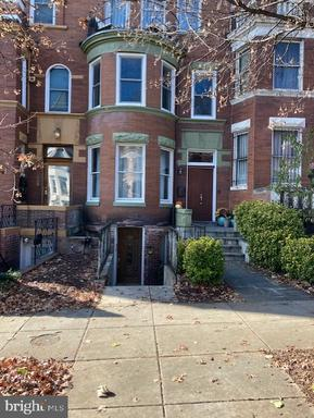 2304 1ST ST NW #2