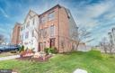 Spacious end unit  TH with great curb appeal - 194 STAR VIOLET TER SE, LEESBURG
