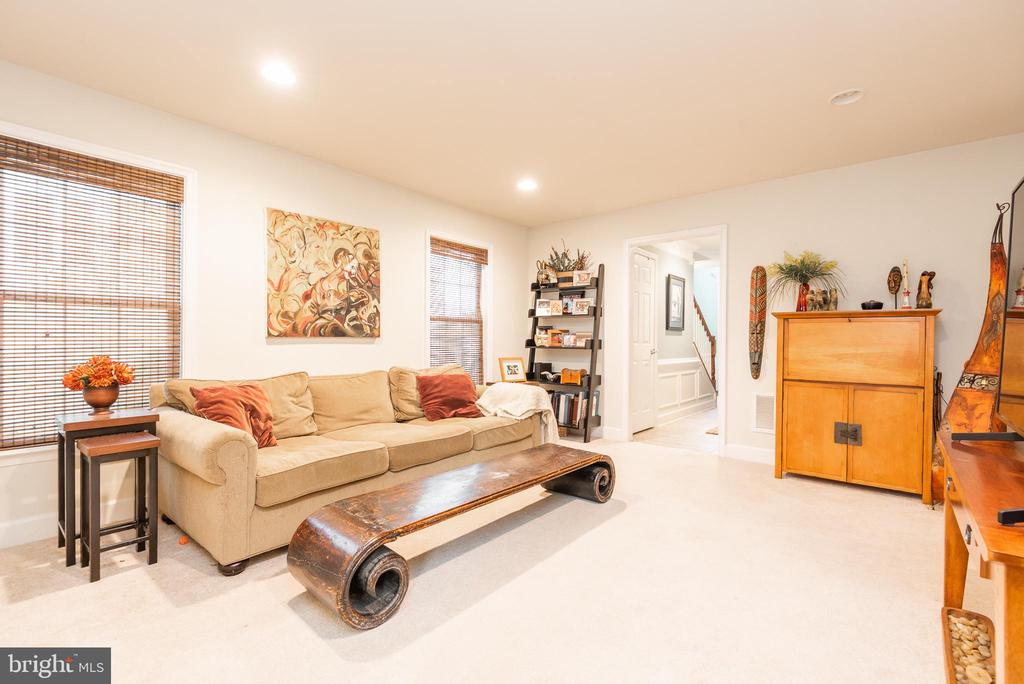 Lots of space for the whole family - 194 STAR VIOLET TER SE, LEESBURG