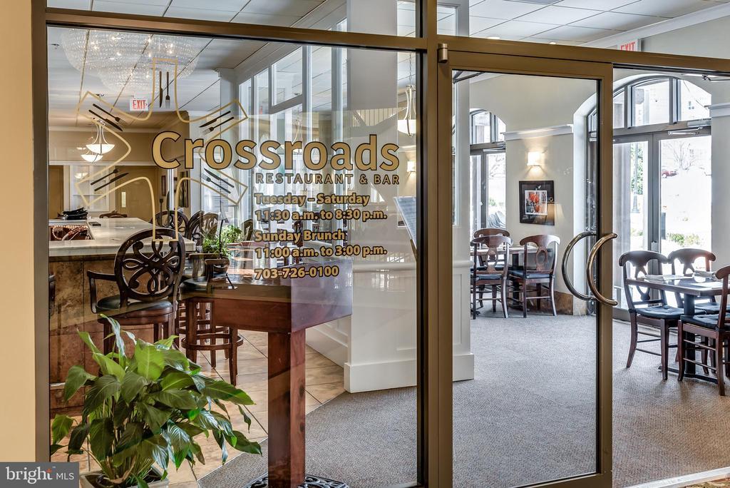 Crossroads Restaurant in LW Clubhouse - 19355 CYPRESS RIDGE TER #405, LEESBURG