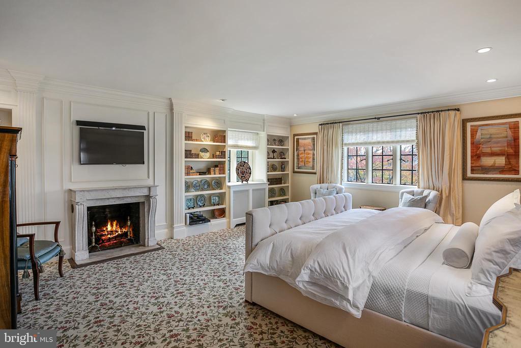 Owner's Bedroom - 2446 KALORAMA RD NW, WASHINGTON