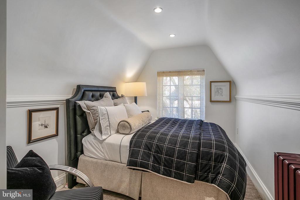 Bedroom - 2446 KALORAMA RD NW, WASHINGTON