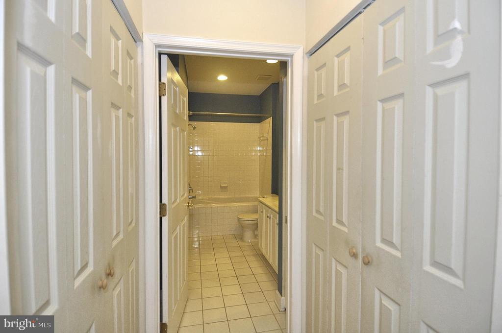 Access to oversized and updated bath - 2310 14TH ST N #205, ARLINGTON