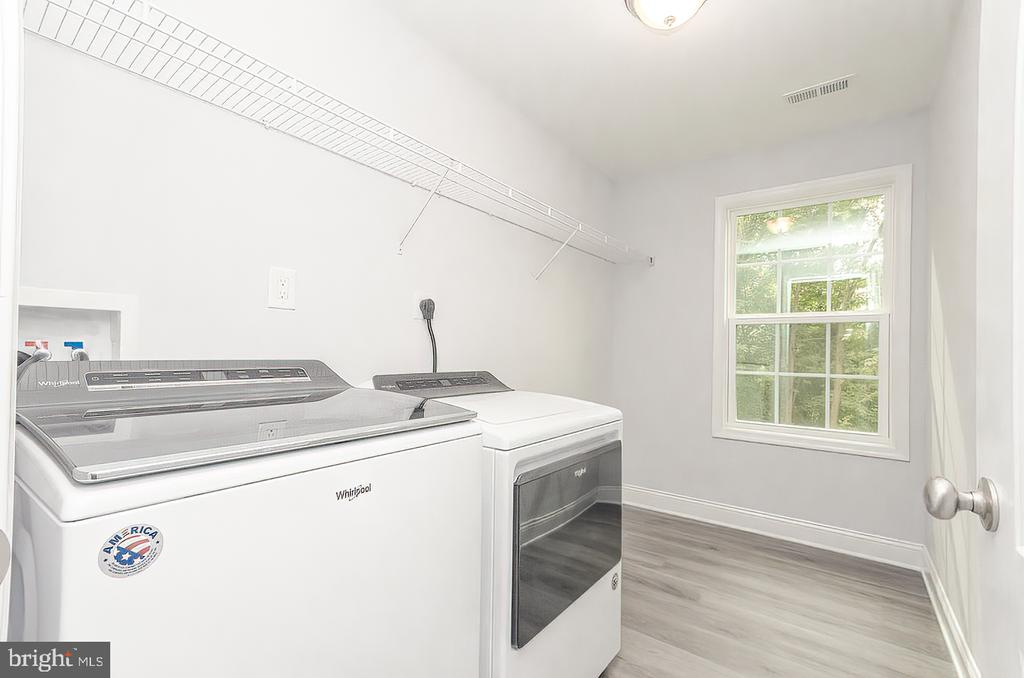 Laundry bedroom level Washer/Dryer not included - 986 LOWER CLUBHOUSE DR, HARPERS FERRY