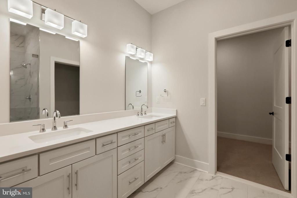 Owner's Bathroom - 44691 WELLFLEET DR #503, ASHBURN