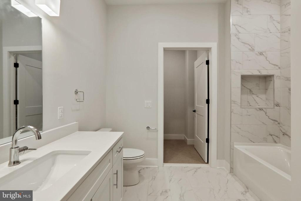 Guest Bathroom - 44691 WELLFLEET DR #503, ASHBURN