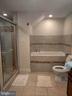 Full bathroom in basement - 1516 FEATHERSTONE RD, WOODBRIDGE