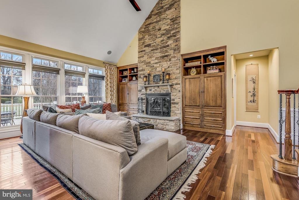 Two Story Great Room - 24018 BURNT HILL RD, CLARKSBURG