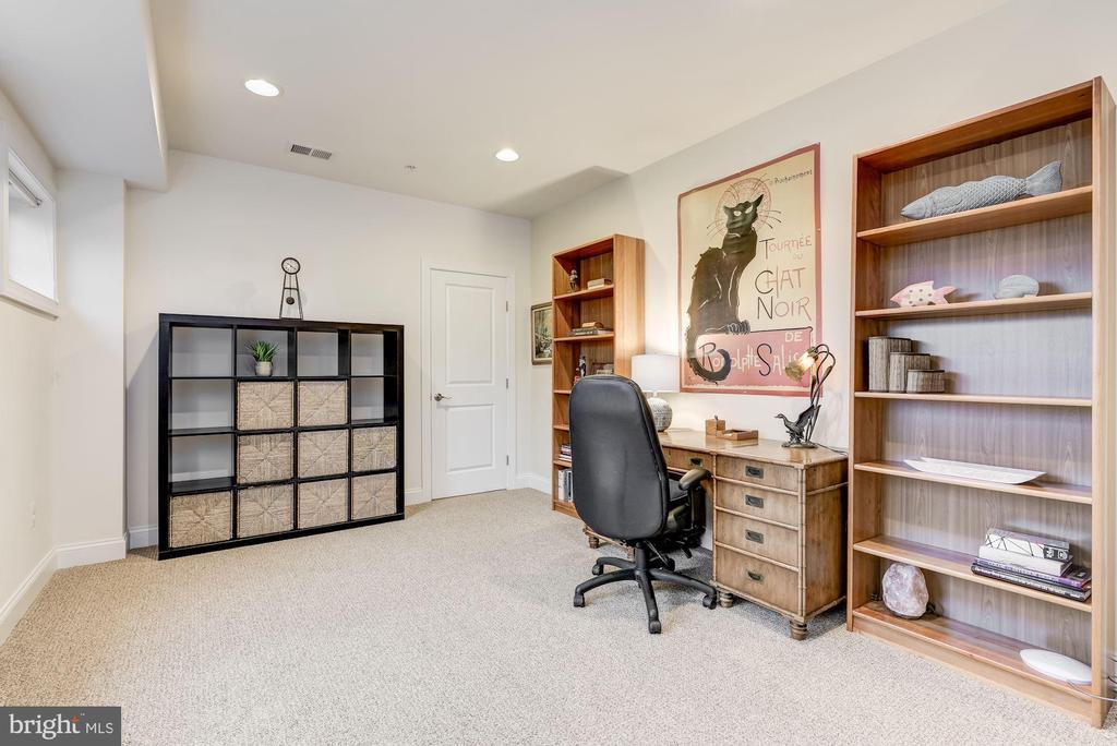 Bedroom | Office - 24018 BURNT HILL RD, CLARKSBURG