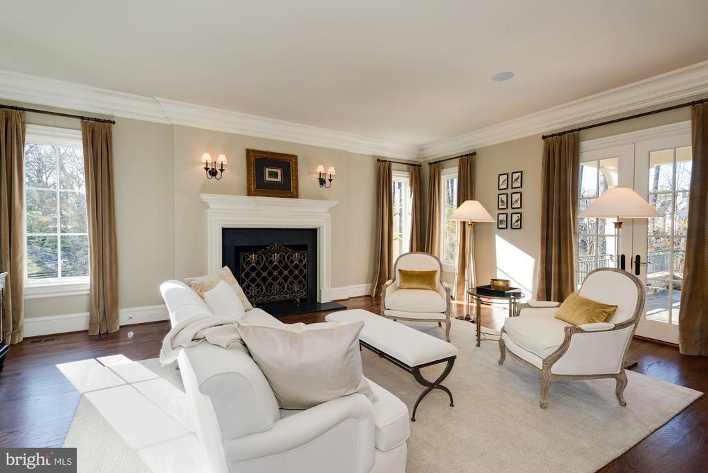 Living Room - 6622 MALTA LN, MCLEAN