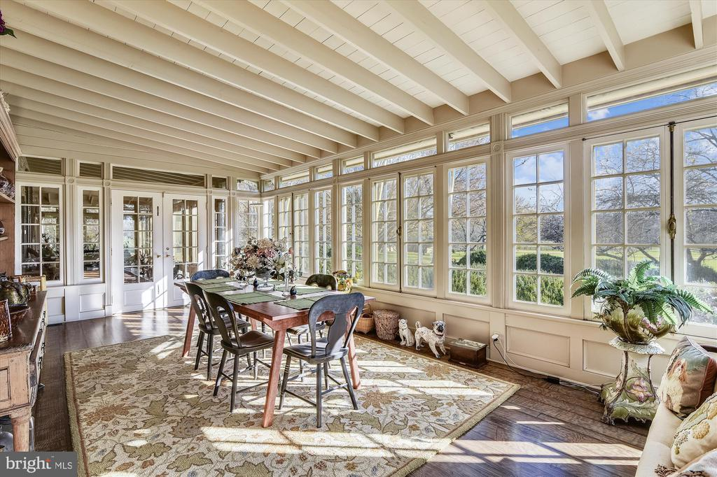 Sun room - 22956 CARTERS FARM LN, MIDDLEBURG