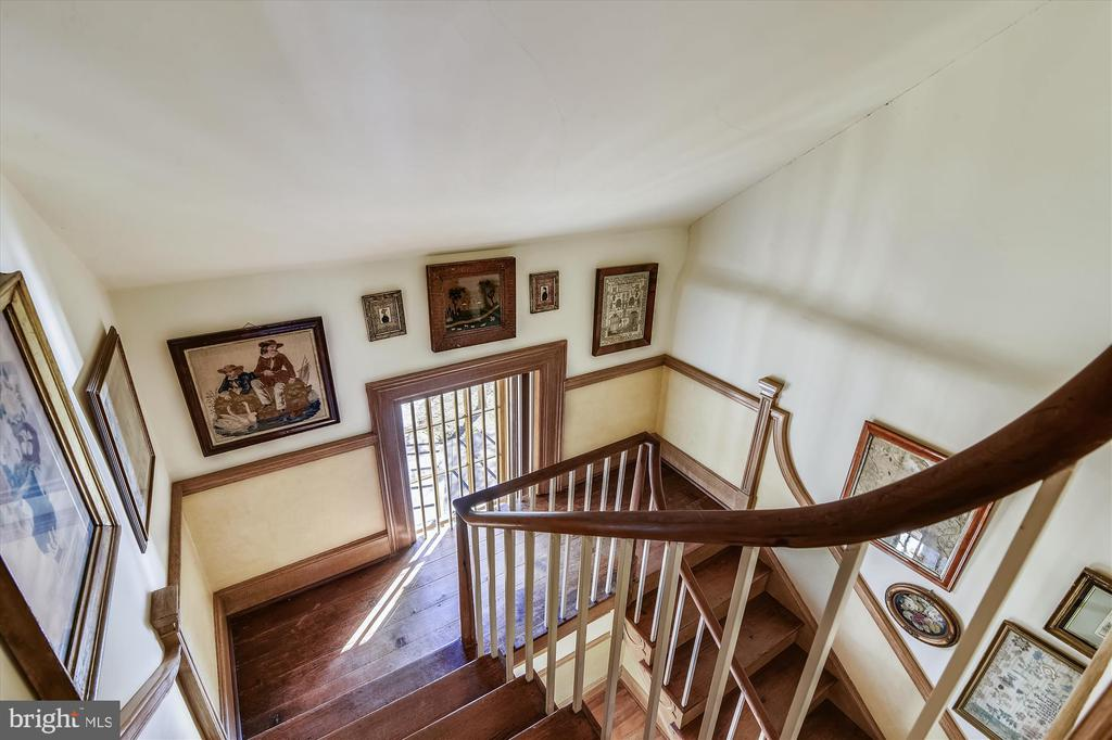 hall - 22956 CARTERS FARM LN, MIDDLEBURG