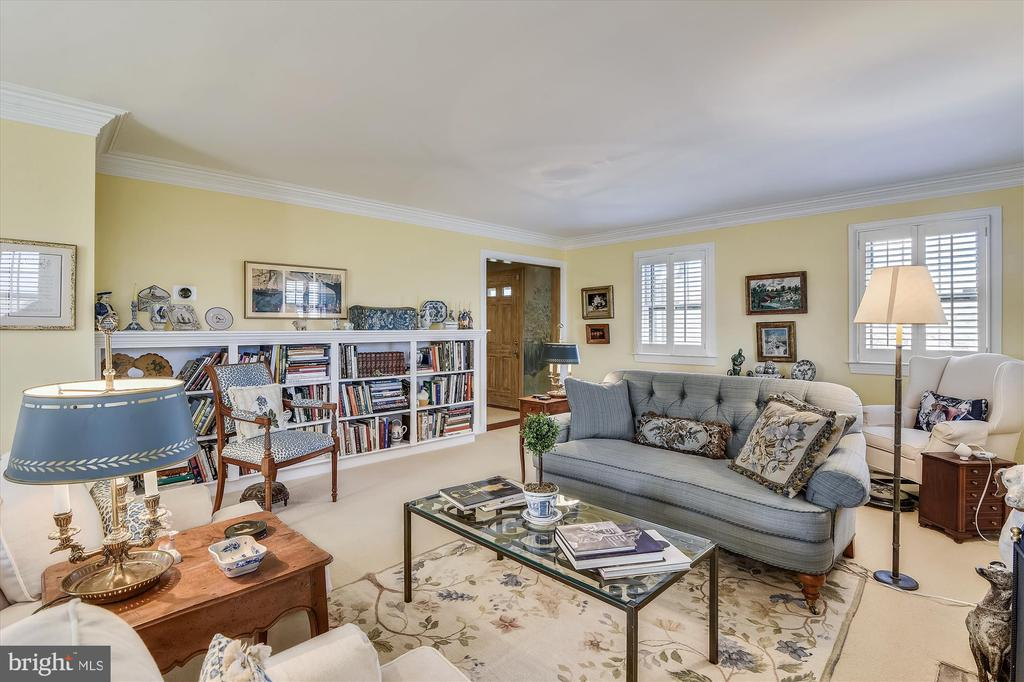 Guest house living room - 22956 CARTERS FARM LN, MIDDLEBURG