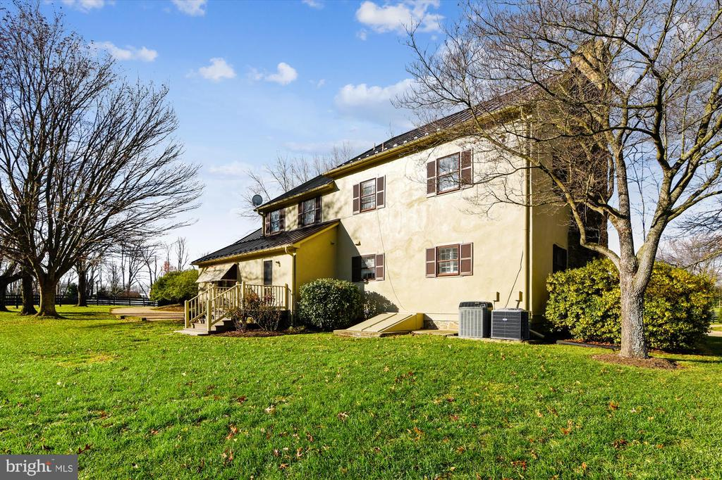 guest house - 22956 CARTERS FARM LN, MIDDLEBURG