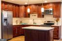 Open-space concept kitchen with large island - 7708 BROOKLYN BRIDGE RD, LAUREL