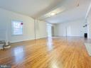 Bright and expansive family room/living room - 7708 BROOKLYN BRIDGE RD, LAUREL