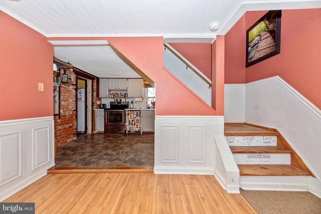 - 14702 OAK ORCHARD RD, NEW WINDSOR