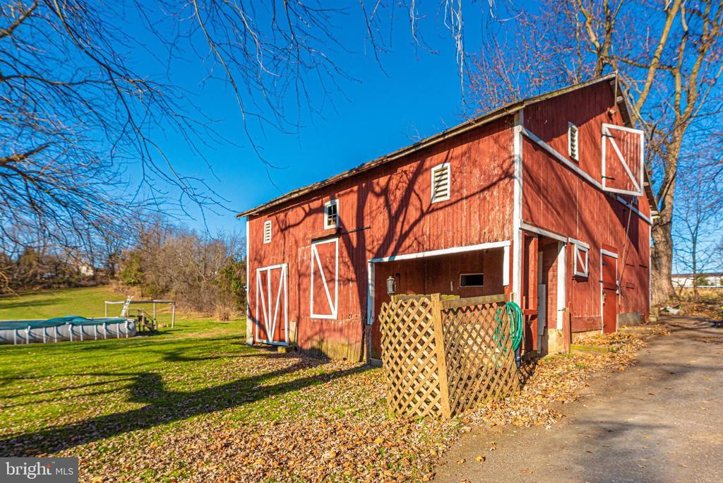Barn - 14702 OAK ORCHARD RD, NEW WINDSOR