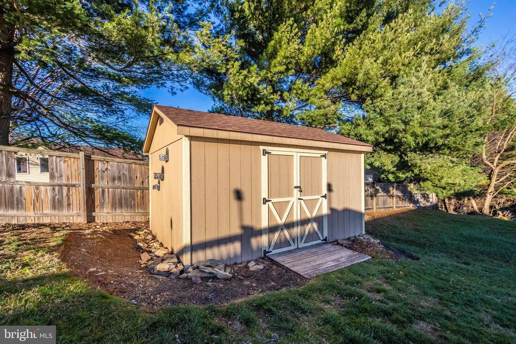 Exterior Back Shed - 119 SUNHIGH DR, THURMONT
