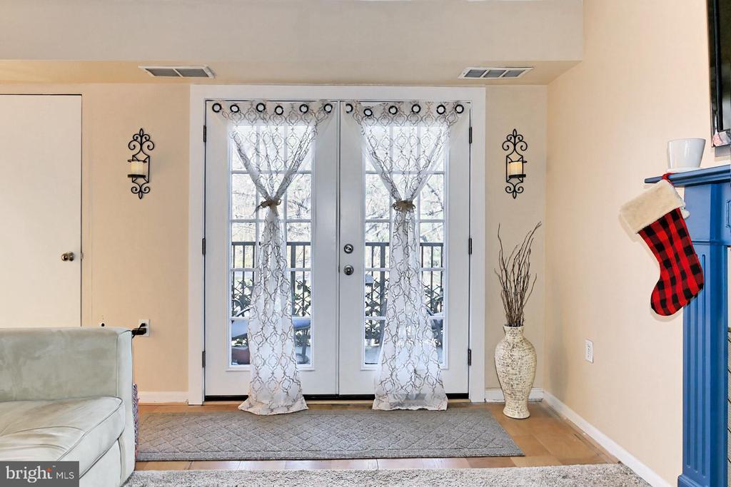 New French Doors! - 403 N BEAUREGARD ST #304, ALEXANDRIA