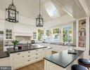 Warmth and light in the main kitchen - 7979 E BOULEVARD DR, ALEXANDRIA