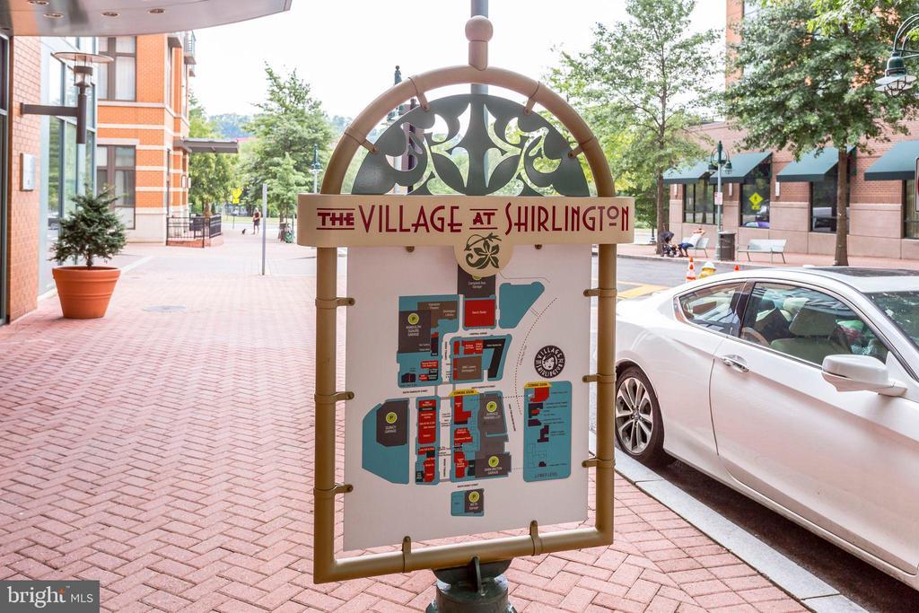Village at Shirlington - 4133 S FOUR MILE RUN DR #D, ARLINGTON