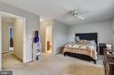 Large master bedroom with full bathroom - 333 RENEAU WAY, HERNDON