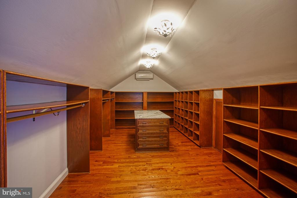 Converted Attic Space into Dream Closet - 18914 SHELBURNE GLEBE RD, LEESBURG