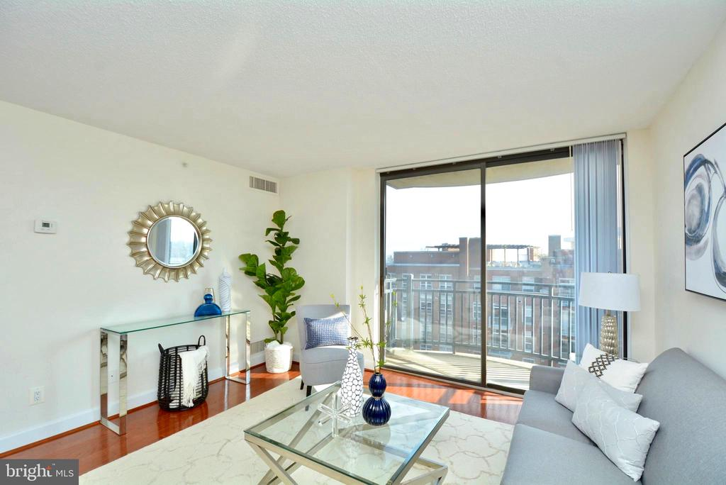 Your own private balcony - 3401 38TH ST NW #705, WASHINGTON