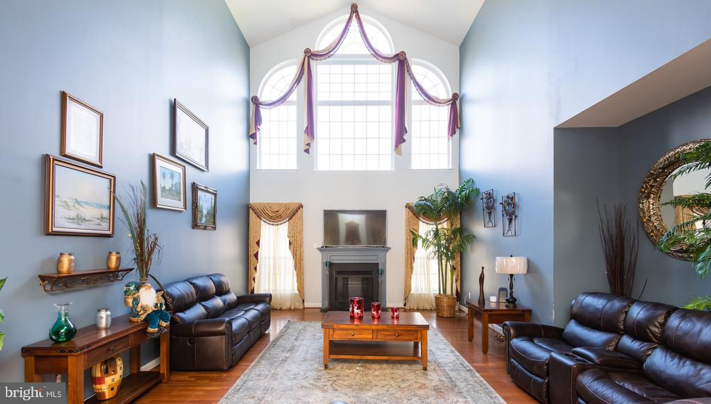 Two story family room - 14215 PUNCH ST, SILVER SPRING