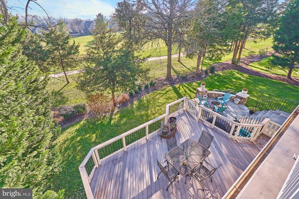 Enjoy the Privacy of Your Backyard - 43499 BUTLER PL, LEESBURG