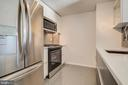 Kitchen/ overview 2 - 1021 N GARFIELD ST #828, ARLINGTON