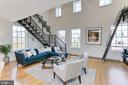 Spacious living area - 1700 CLARENDON BLVD #158, ARLINGTON