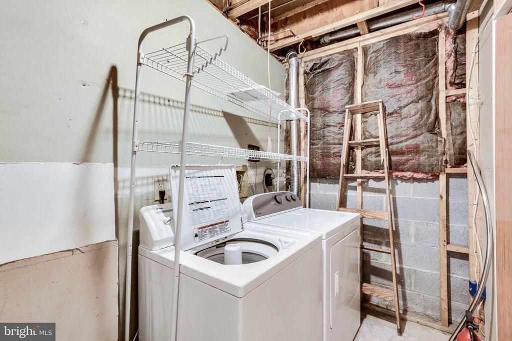 Laundry - 1185 N VERNON ST, ARLINGTON