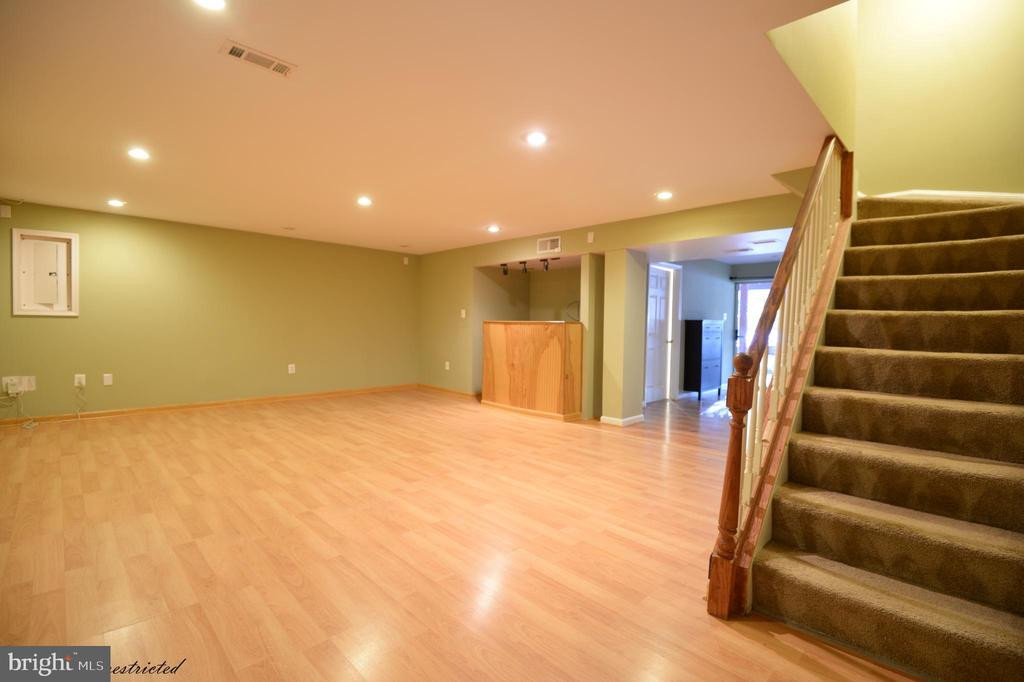 Rec Room In basement - 1118 SUGAR MAPLE LN, HERNDON