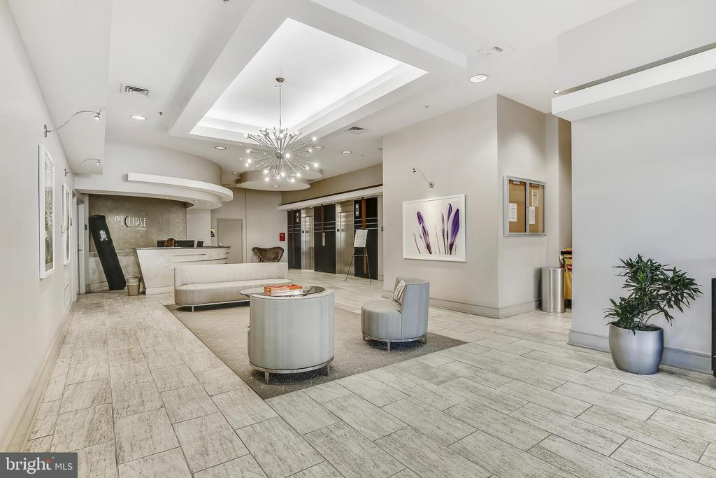Building Amenities - Lobby - 3650 S GLEBE RD #464, ARLINGTON