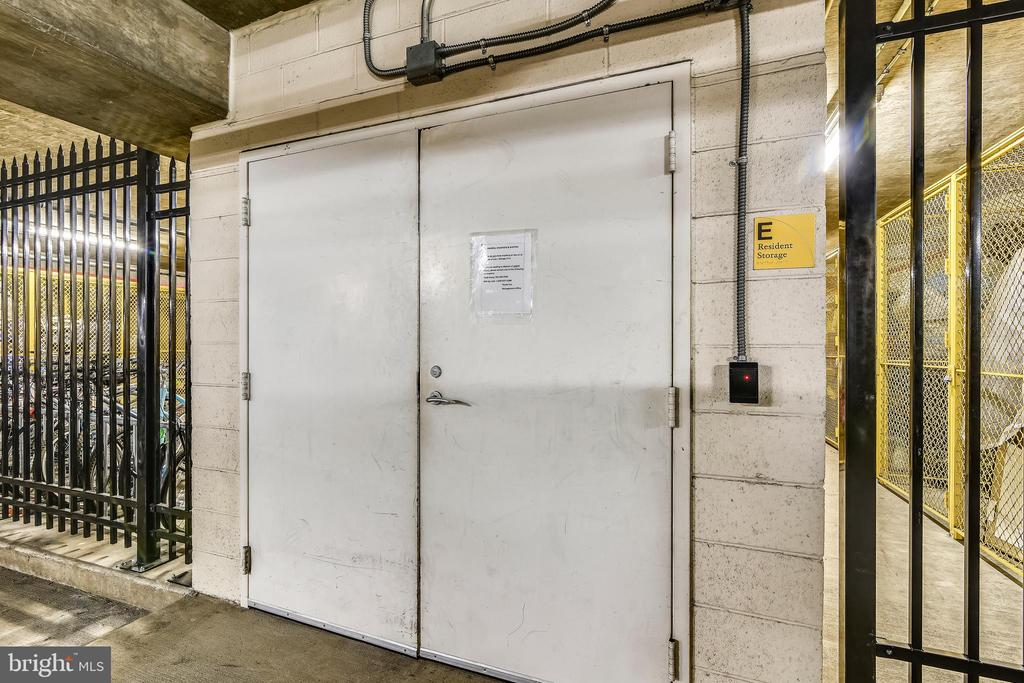 Community - Storage Unit - 3650 S GLEBE RD #464, ARLINGTON