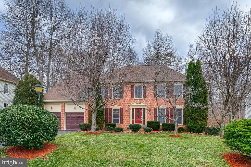 Brick front Colonial on a cul-de-sac - 49 CHRISTOPHER WAY, STAFFORD