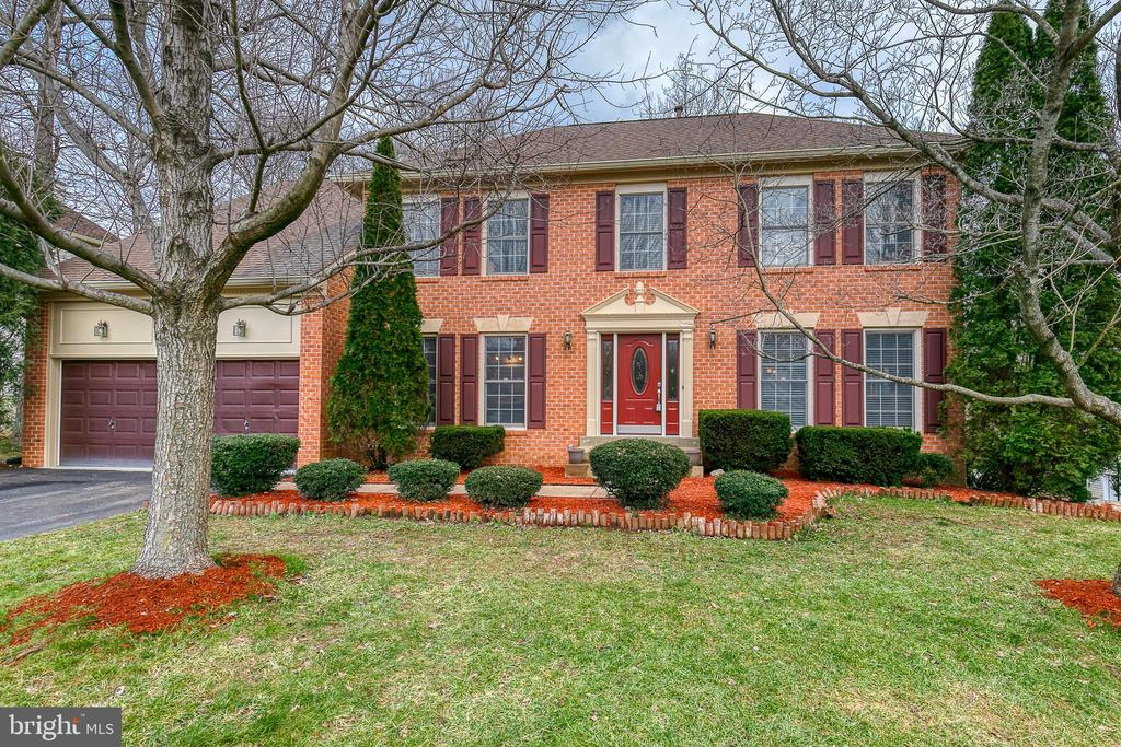 Welcome home! - 49 CHRISTOPHER WAY, STAFFORD
