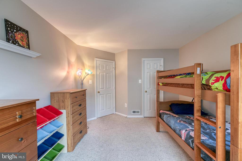 Bedrom 2 has a walk-in closet - 49 CHRISTOPHER WAY, STAFFORD