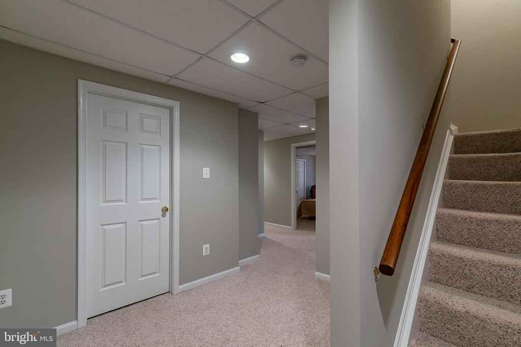 Finished basement - 49 CHRISTOPHER WAY, STAFFORD