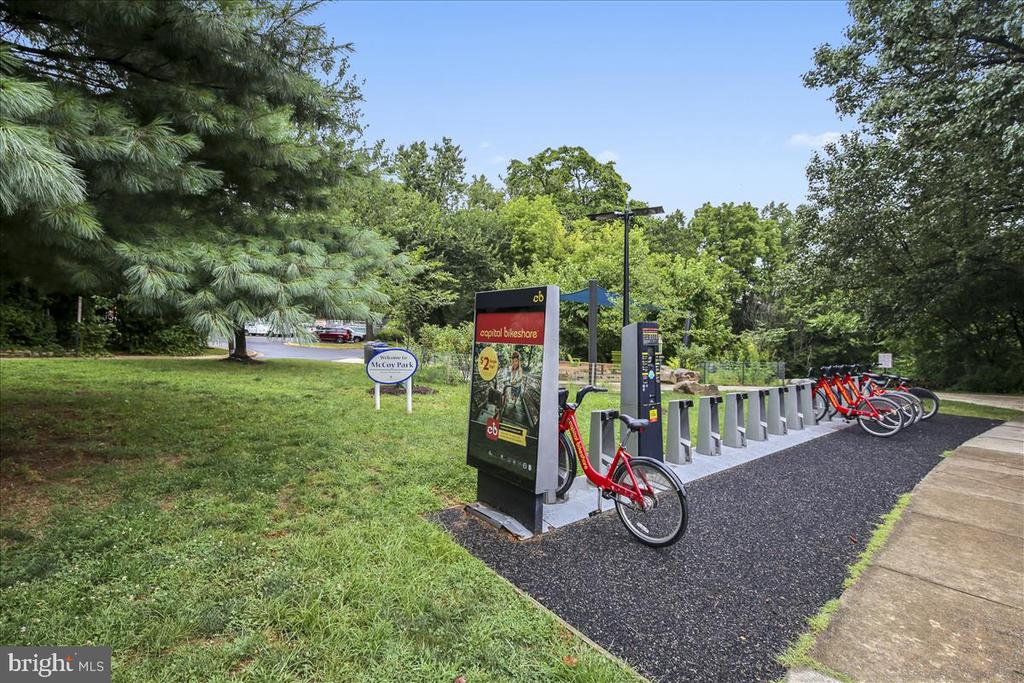 5 minute walk to Capital Bikeshare - 1718 N WAYNE ST, ARLINGTON