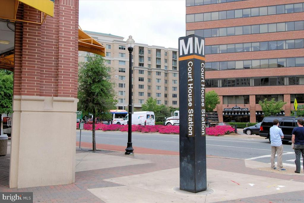Courthouse metro is 3/10th mile - 1718 N WAYNE ST, ARLINGTON
