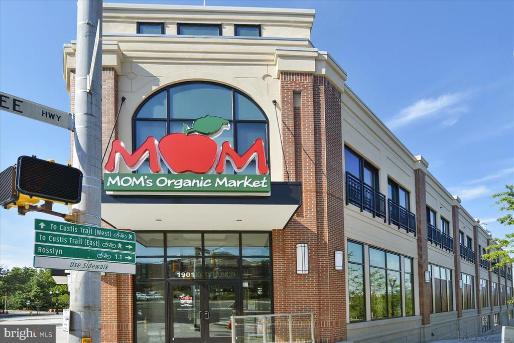 Mom's Organic Market is  a 6 minute walk - 1718 N WAYNE ST, ARLINGTON